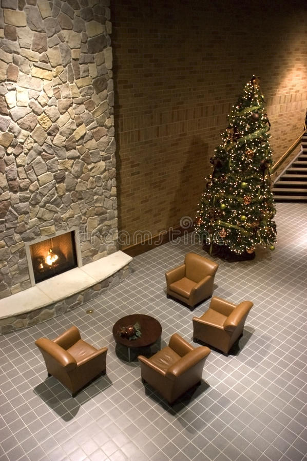 Kamin, Weihnachtsbaum, Aufnahme-Warteraum stockfotos