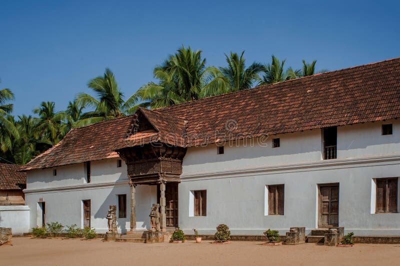Kammare för råd för arvarkitektur-TravankoreKing's aii träav padmanabhapuramslotten royaltyfri bild