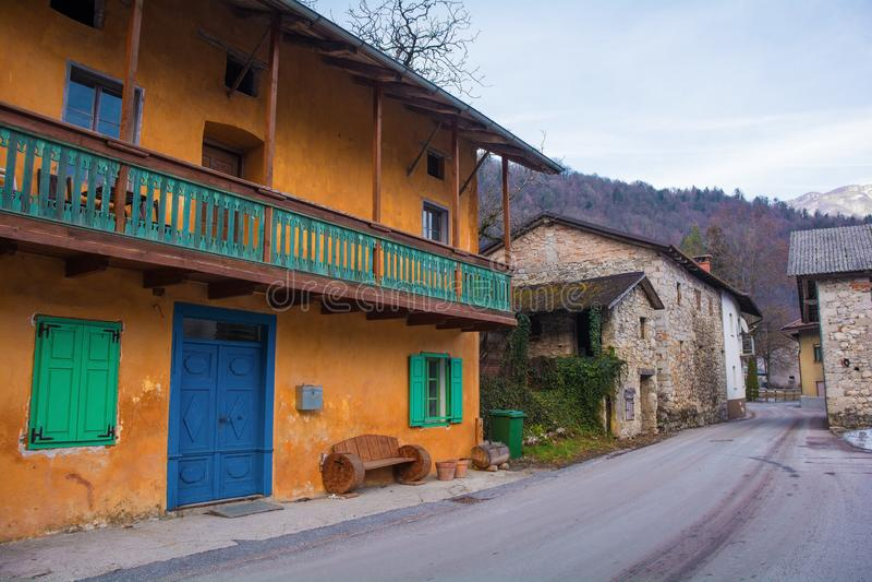 Kamnodorp in Slovenië stock afbeelding