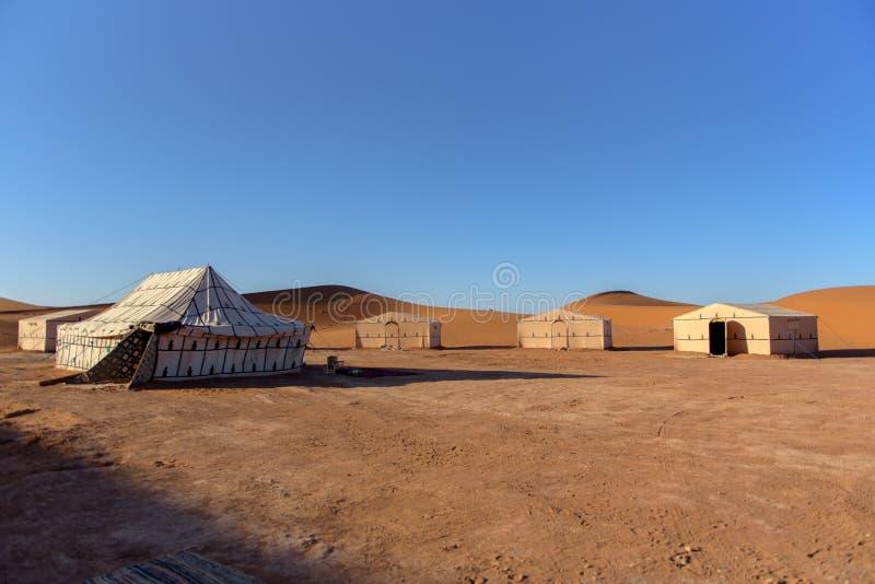 Kamp in de oase, Erg Gegaga, Morroco stock fotografie
