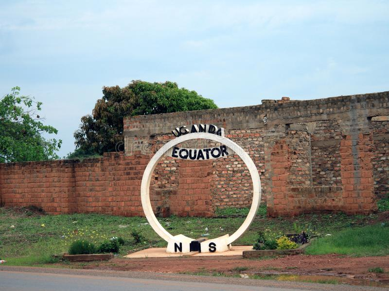 Kampala/Uganda - APRIL 10, 2015; Materielfoto ekvatorn Uganda arkivbild