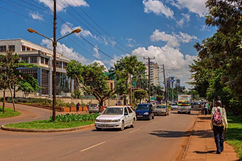 KAMPALA, UGANDA - 13 KWIETNIA 2017: Nowa droga obrazy stock