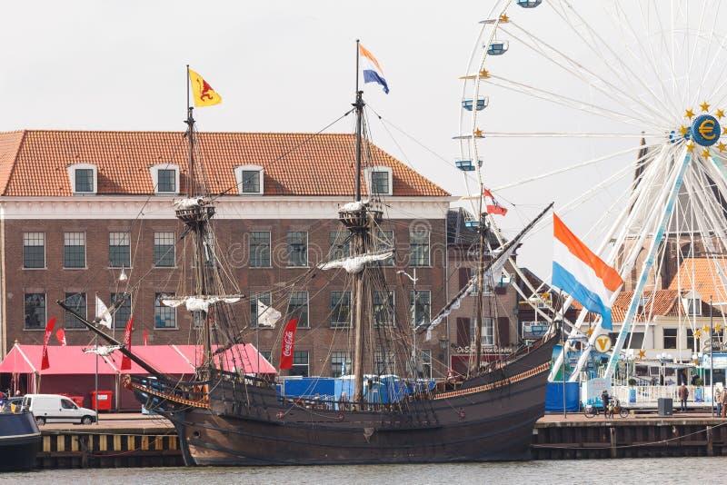 Kampen holandie - Marzec 30, 2018: VOC statek De Przekrawający Maen zdjęcia stock