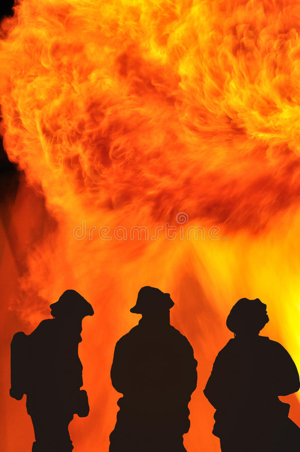 Kampf mit dem Feuer stockfoto