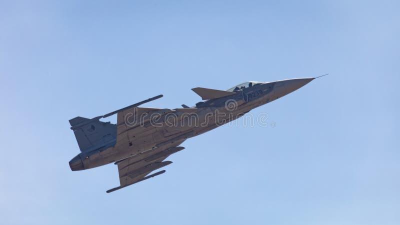 Kampfflugzeug Saabs JAS 39 Gripen stockfotos