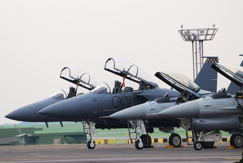 Kampfflugzeuge stockfotografie