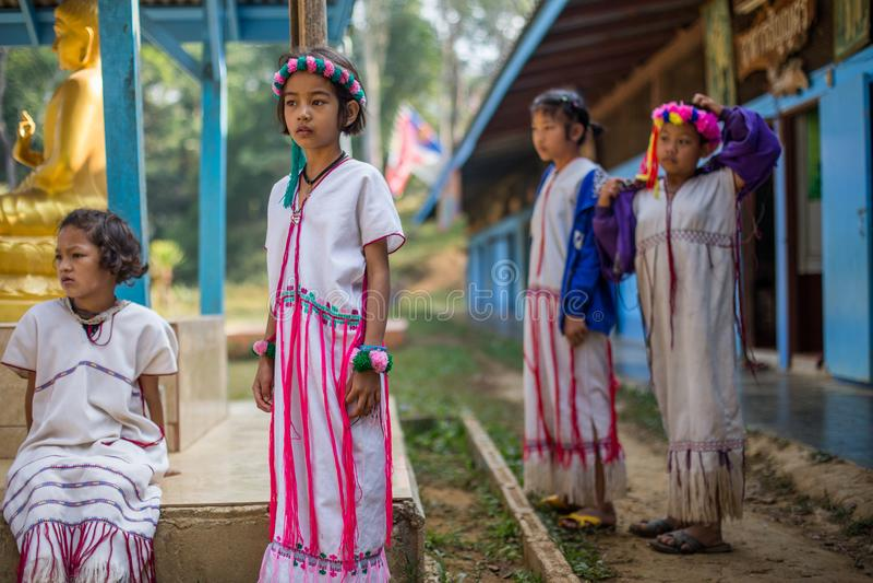 KAMPHAENGPHET, ΤΑΪΛΑΝΔΗ - 8 Ιανουαρίου 2014 όλη η εθνική ομάδα στην Ταϊλάνδη πολύ φτωχή αλλά έχει τον όμορφο πολιτισμό, αυτά τα π στοκ φωτογραφίες με δικαίωμα ελεύθερης χρήσης