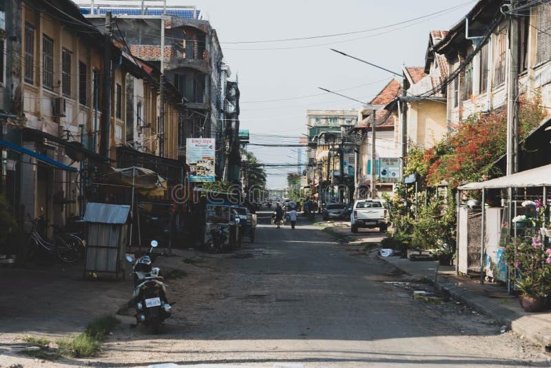 Kampot柬埔寨街道白天 免版税图库摄影