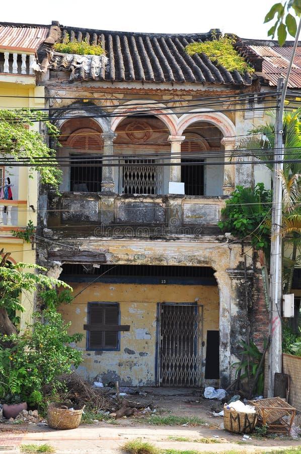 Kampot architektury Francuska kolonialna ruina, Kambodża obraz stock