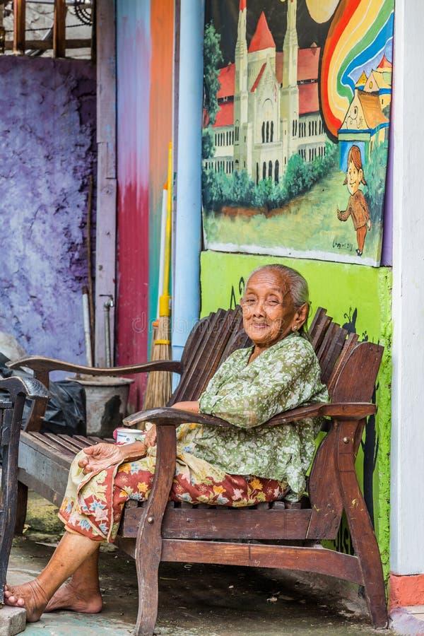 Kampung Pelangi i Semarang Indonesien arkivfoto