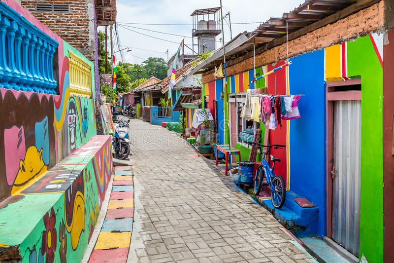 Kampung Pelangi in Semarang Indonesien lizenzfreie stockbilder