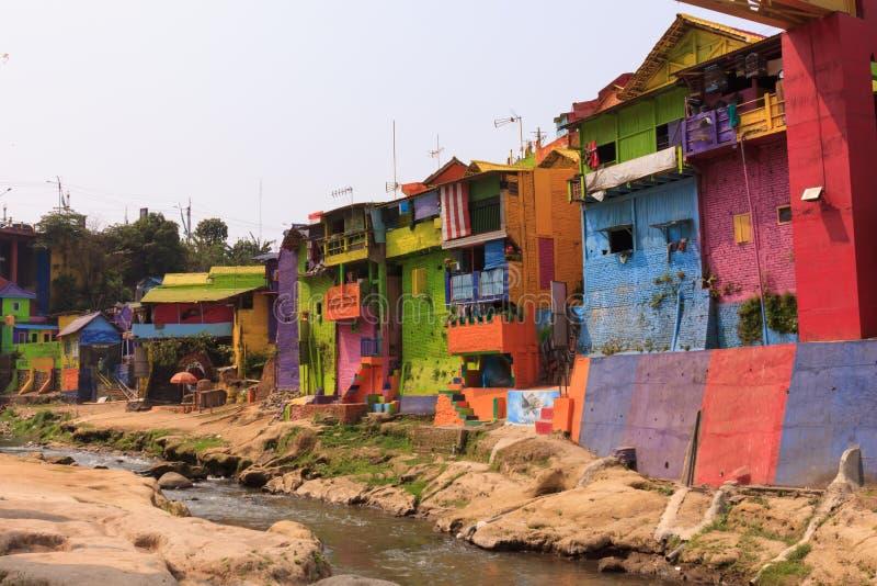 Kampung Warna Warni Jodipan färgglad by Malang arkivbilder