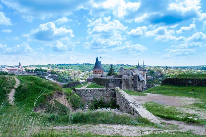 Kamyanets-Podilsky Schloss stockfotos