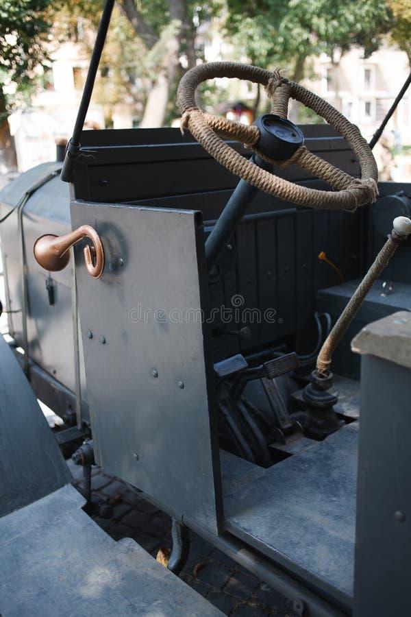 KAMYANETS-PODILSKY, UKRAINE - 24 AOÛT 2018 : Ère du camion d'armée WWI pendant la reconstitution historique de la guerre ukrainie image stock