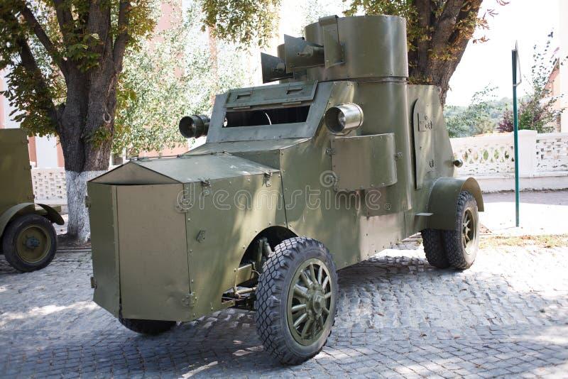 KAMYANETS-PODILSKY, UKRAINE - 24 AOÛT 2018 : Ère du véhicule blindé WWI pendant la reconstitution historique de la guerre ukraini photographie stock libre de droits