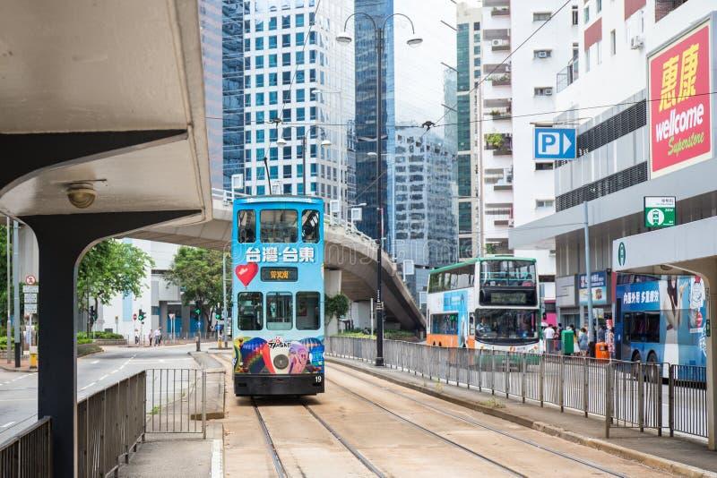 kan 000 19 243 456 2012 ankommen pråmaffärslast som bär den bortgångna områdesframdelen Hong Kong miljon r s skyttelåret för någr royaltyfria bilder