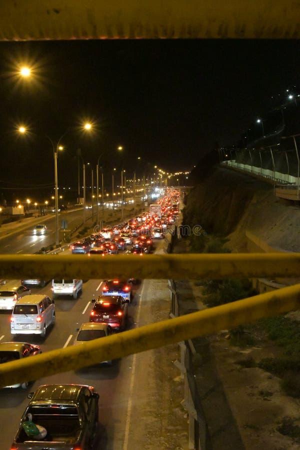 Kan du behandla denna trafik i San Miguel, Peru royaltyfria foton
