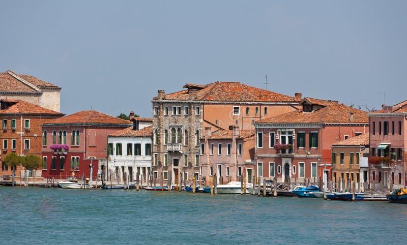 Kanał i fasady w Murano, Veneto, Włochy zdjęcia stock