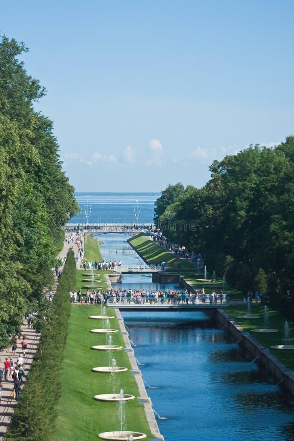 kanałowy peterhof Petersburg Russia st obrazy stock
