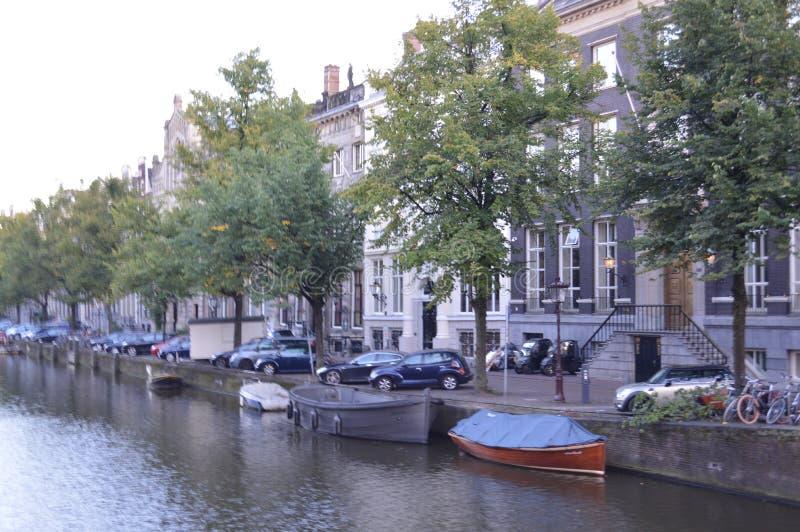 Kanaal in Amsterdam royalty-vrije stock afbeeldingen