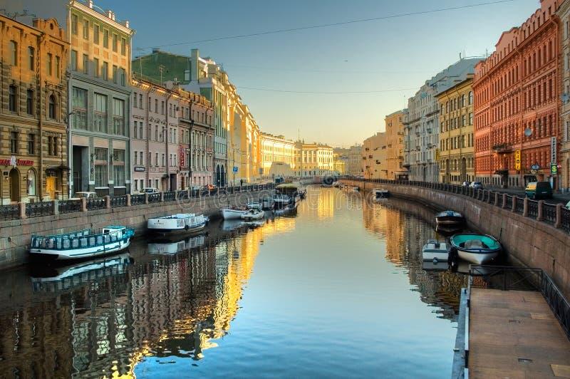 Kanaal bij St. Petersburg royalty-vrije stock fotografie