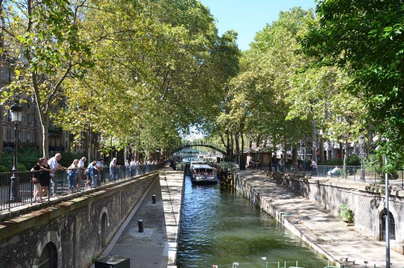 Kanaal heilige-Martin, Parijs stock foto