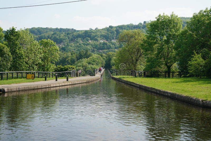Kanaal op Pontcysyllte-Aquaduct Llangollen Wales het UK royalty-vrije stock foto's