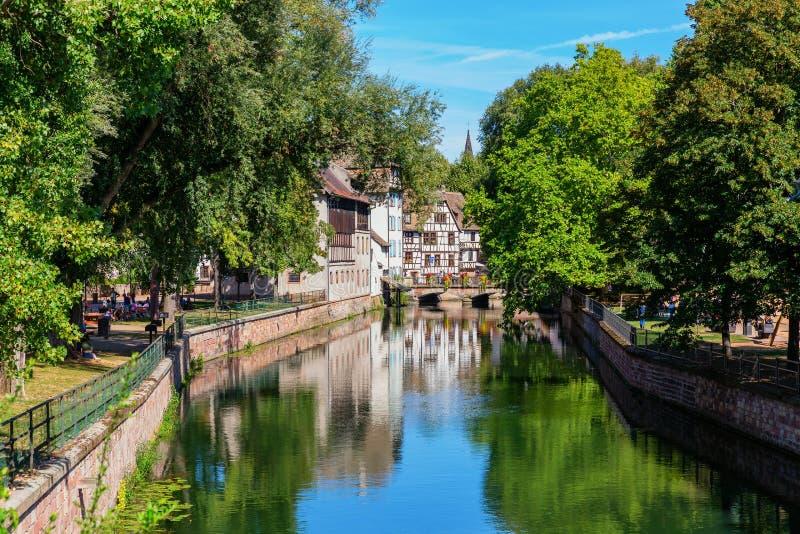 Kanaal van rivier Ziek in La Petite France in Straatsburg, Frankrijk royalty-vrije stock afbeelding