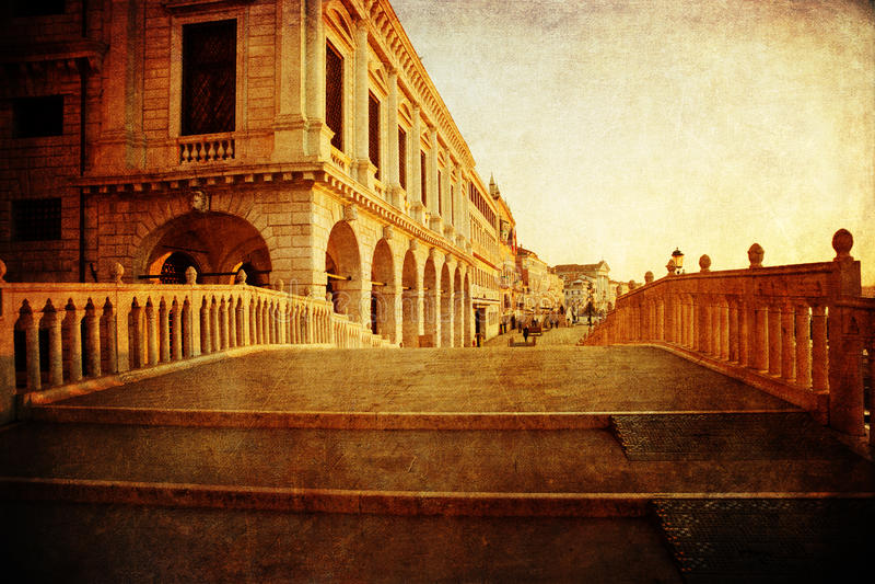 Kanaalbrug in Venetië met uitstekende textuur royalty-vrije stock foto