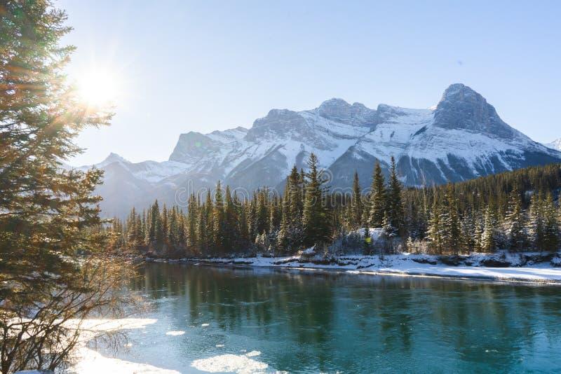 Kanadas Winterlandschaft, Canmore, Alberta lizenzfreies stockbild