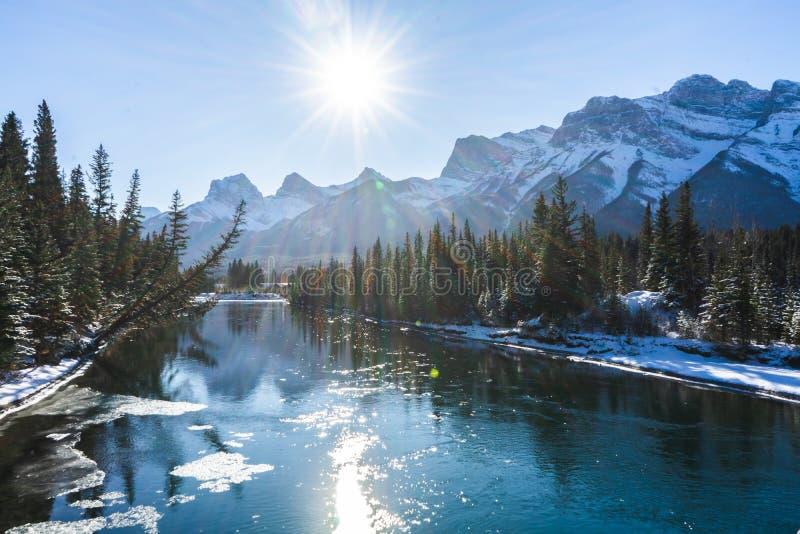 Kanadas Winterlandschaft, Canmore, Alberta lizenzfreie stockbilder