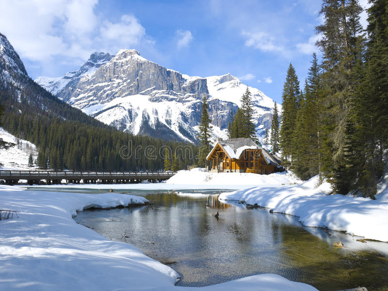kanadensisk smaragdlake rockies royaltyfri bild