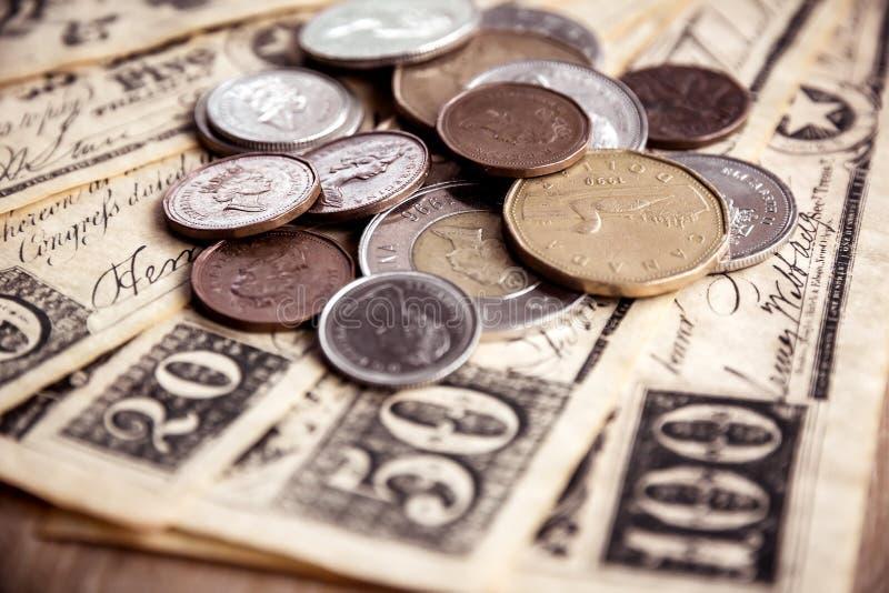 kanadensiska mynt royaltyfri foto