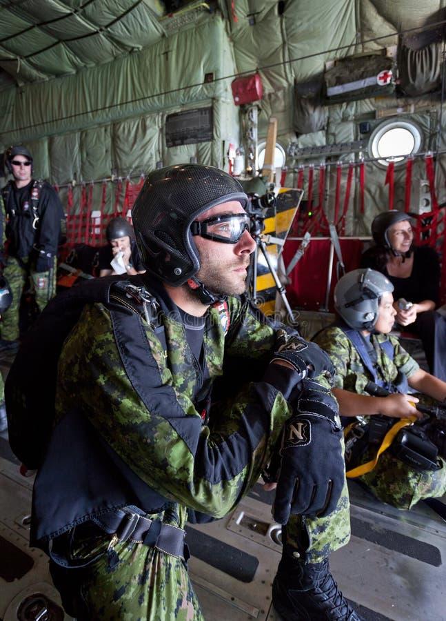 Kanadensiskt Skyhawks-/Skydivinglag royaltyfri bild