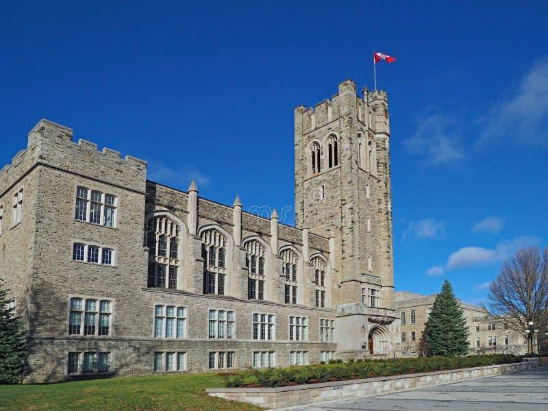 Kanadisches gotisches Collegegebäude stockfoto