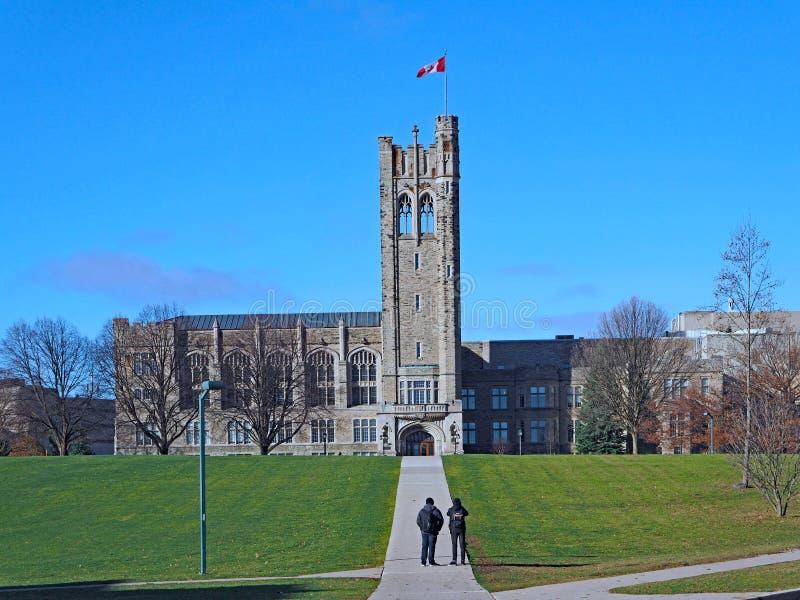 Kanadisches gotisches Collegegebäude stockfotos
