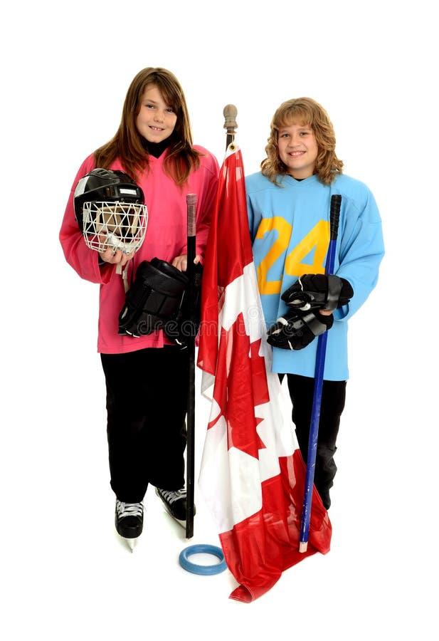 kanadyjskich dziewczyn szczęśliwy bawić się ringette tween obrazy royalty free