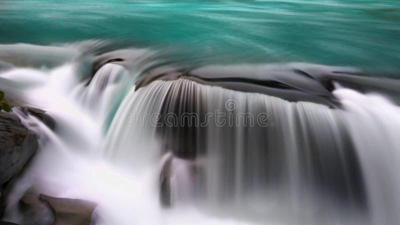 Kanadyjskie Skaliste góry, Glacjalna Robson rzeka obraz royalty free