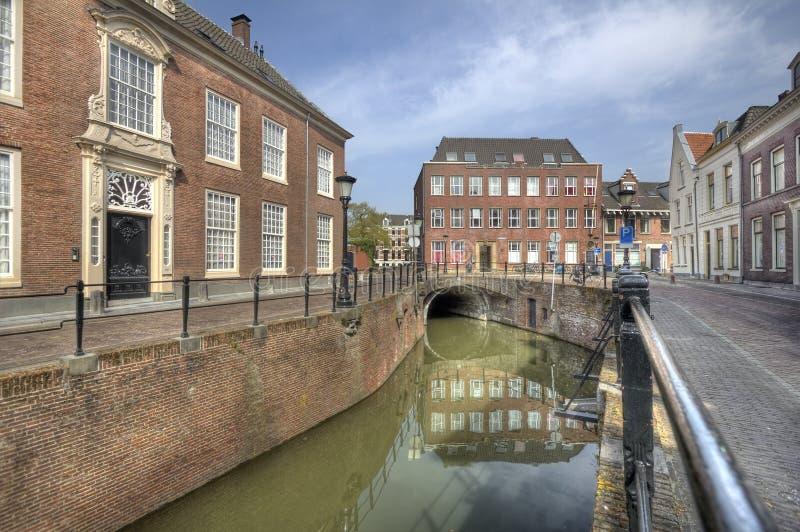 Kanal i Utrecht, Holland fotografering för bildbyråer