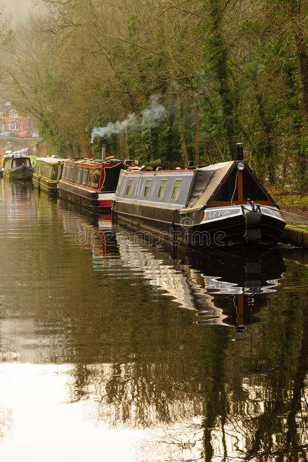 Kanal Narrowboats stockfoto