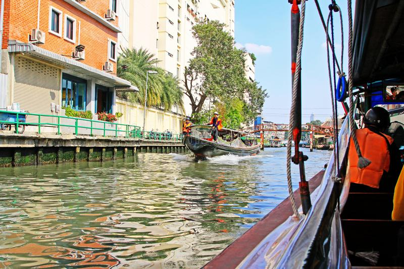 Kanal Saen Saep und Eilboot, Bangkok, Thailand lizenzfreies stockbild
