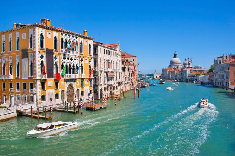 Kanal som är stor i Venedig, Italien arkivbilder