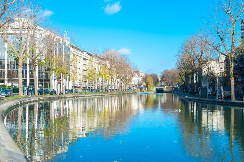 Kanal St Martin arkivfoton