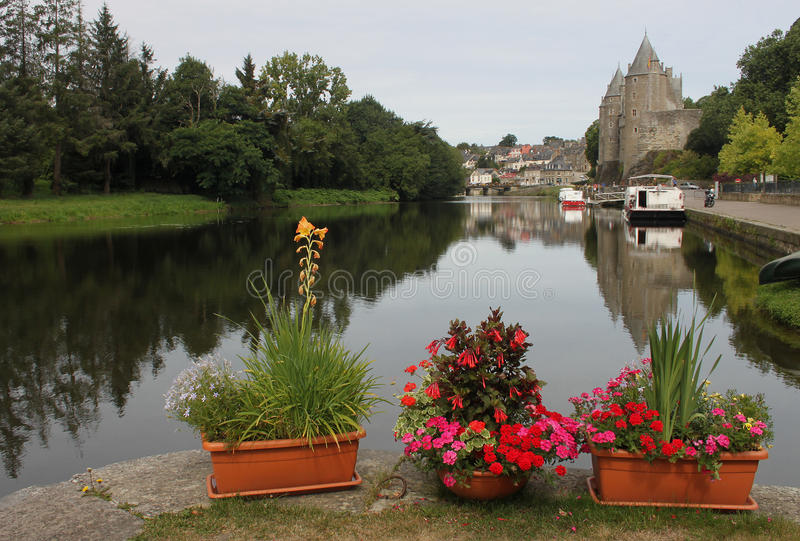 Kanal-Verschluss auf dem Nantes zu Brest-Kanal lizenzfreies stockfoto
