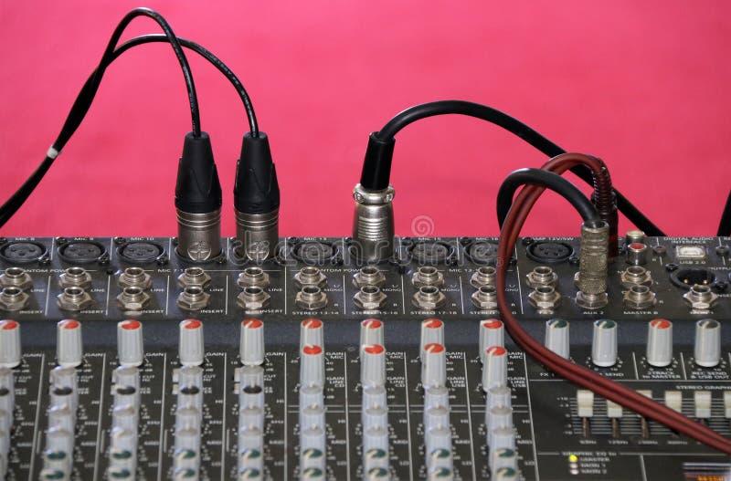 Kanalblandare för solid ljudsignal blandande konsol för electro akustik arkivbilder