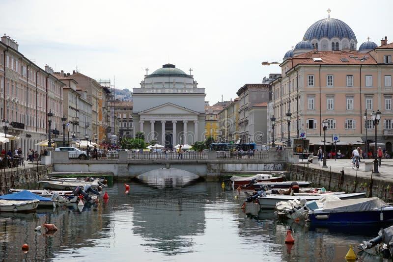 Download Kanalen i gatan av Trieste redaktionell fotografering för bildbyråer. Bild av vatten - 78728884