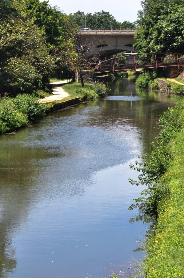 Kanalen på Georgetown parkerar, Washington DC arkivbilder
