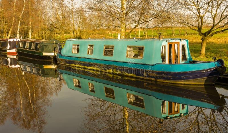 Kanalhus Narrowboats royaltyfria bilder
