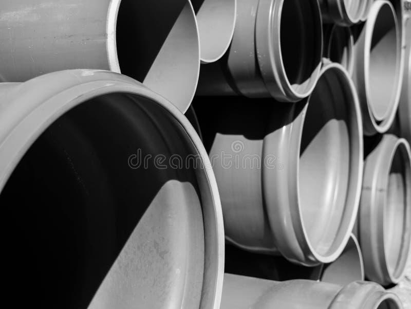 Kanalizacyjne drymby zamknięte w górę strzału w czarny i biały obrazy stock