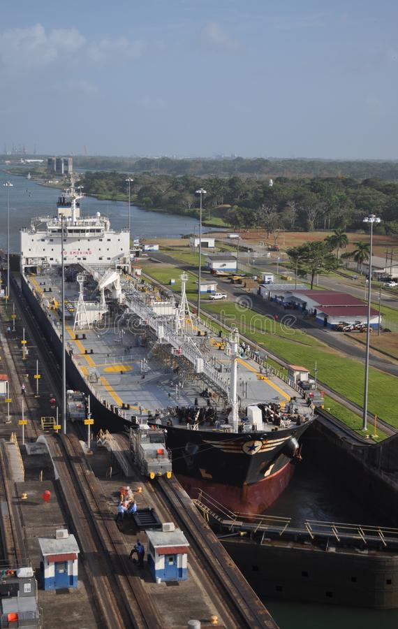 kanallastpanama ship royaltyfri foto